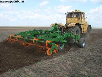 сельхозтехника в поле